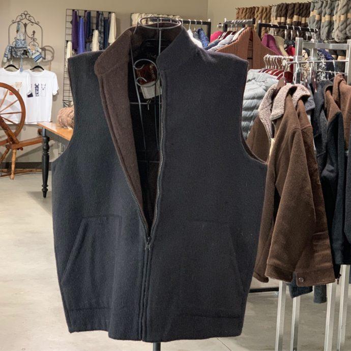 Reversible Sport Vest in Black and Brown