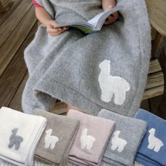 Cuddle Alpaca Blanket With Alpaca Print