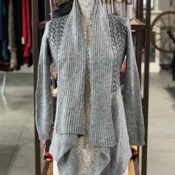 Long Alpaca Sweater in Grey W/ Dark Grey Peruvian Print