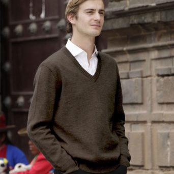 Baby Alpaca V-Neck Pullover Sweater in Espresso